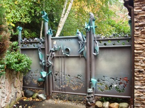 Pool Privacy Gate